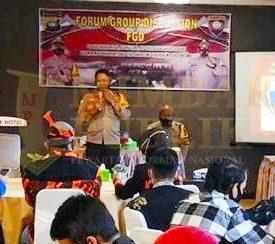 Wakapolres Natuna Kompol Wisnu Edhi Sadono, SH diacara Focus Group Discussion Tangkal Hoax, Radikalisme, Pro Kekerasan dan Intoleransi digelar Satbinmas Polres Natuna, Minggu (08/11/2020)