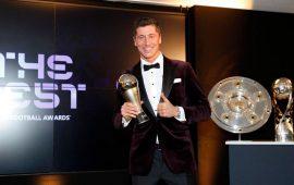 Kalahkan Messi dan CR 7, Robert Lewandowski Dinobatkan Pemain Terbaik FIFA 2020
