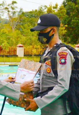 Polres Natuna apel pergeseran pasukan pendistribusian logistik Pilkada serentak 2020 di halaman apel Mapolres Natuna, Jumat (04/12/2020)