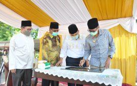 Gubernur Sumbar Langsung Jadi Khotib Perdana Masjid Baitul Auliya