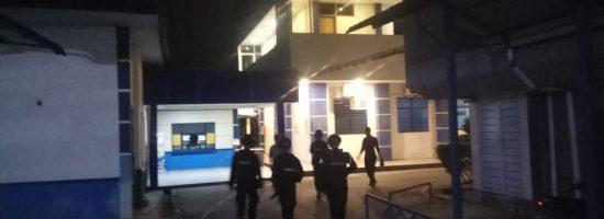 Personil Brimob Polda Kepri Lakukan Pengamanan di Kantor Bea Cukai Batam