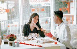 Rayakan Hari Kasih Sayang di HARRIS Hotel Batam Center