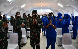 Panglima Komando Armada II Beri Pengarahan Kepada Personel dan Jalasenastri Lantamal VI di Gedung Sultan Hasanuddin Makassar