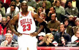 Sepatu Kets Merah dan Putih Pemilik Bintang NBA akan Dilelang Seharga Rp1,4  Miliar