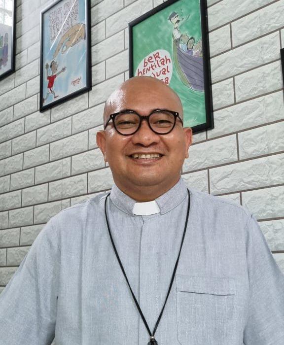 Bela 213 PTT dan THL Di-PHK Bupati Lingga, Malah Romo Paskal Dituding Oknum LSM Provokator