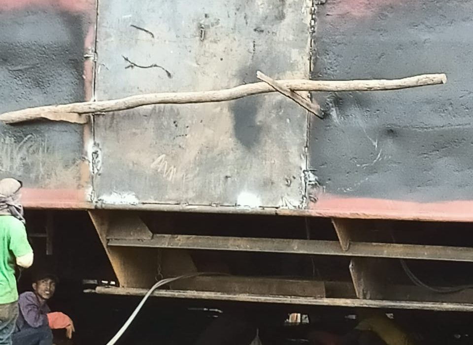 Kuasai dan Perbaiki Tongkang Barlian 3311 Sebelum Putusan Inkrah, Saimun Minta APH Tindak Tegas Pelaku