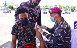 Bersama Puskesmas Mariat TNI AL Kembali Gelar Serbuan Vaksinasi Kepada Masyarakat Maritim