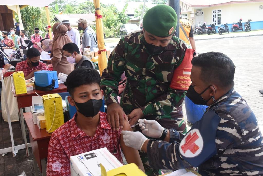TNI AL Kerahkan Kapal Perang, Serbu Pulau yang Minim Fasilitas Kesehatan