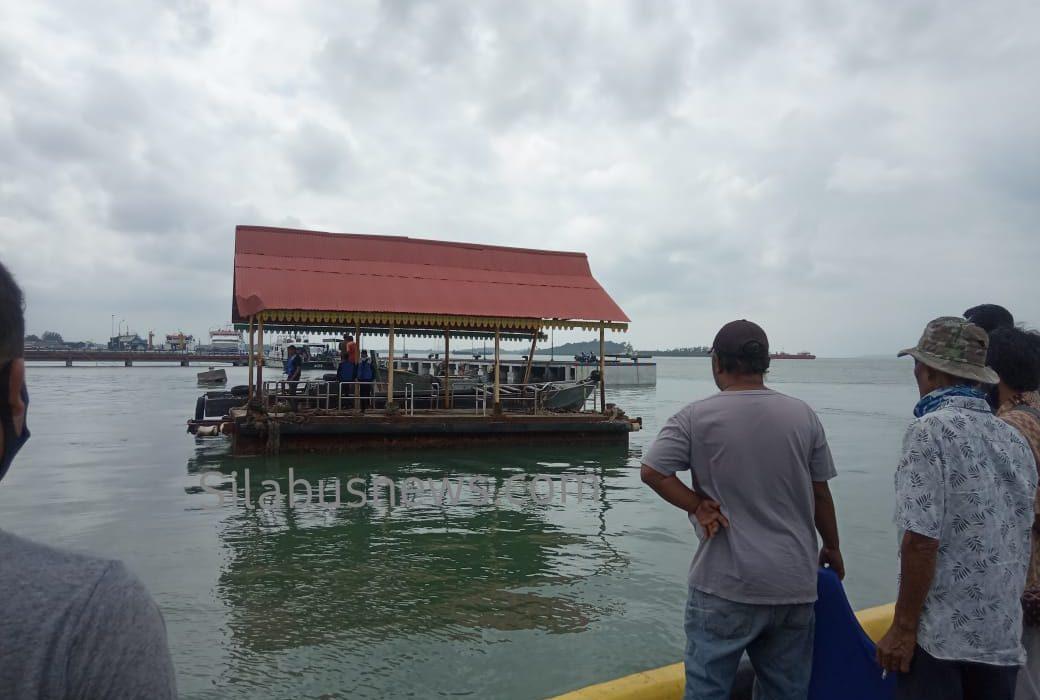 Ponton di Pelabuhan Bulang Linggi Hilang Lenyap Ditelan Ombak