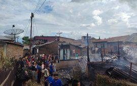 Amukan Si Jago Merah Menghanguskan 3 Unit Rumah Semi Permanen