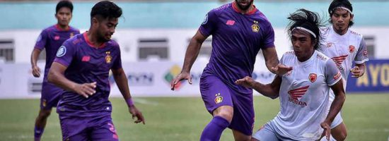 Pertandingan Persik Kediri vs PSM Makassar | Foto: Liga Indonesia Baru