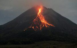 Gunung Merapi Luncurkan Guguran Lava Sejauh 1000 Meter