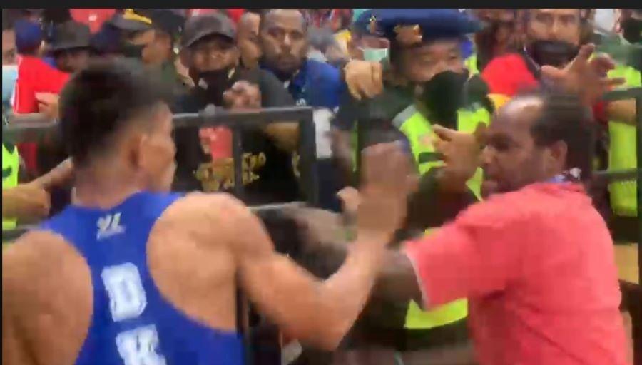 Tinju PON XX Papua: Melakukan Protes Keras, Atlet DKI Jakarta Baku Hantam dengan Panitia